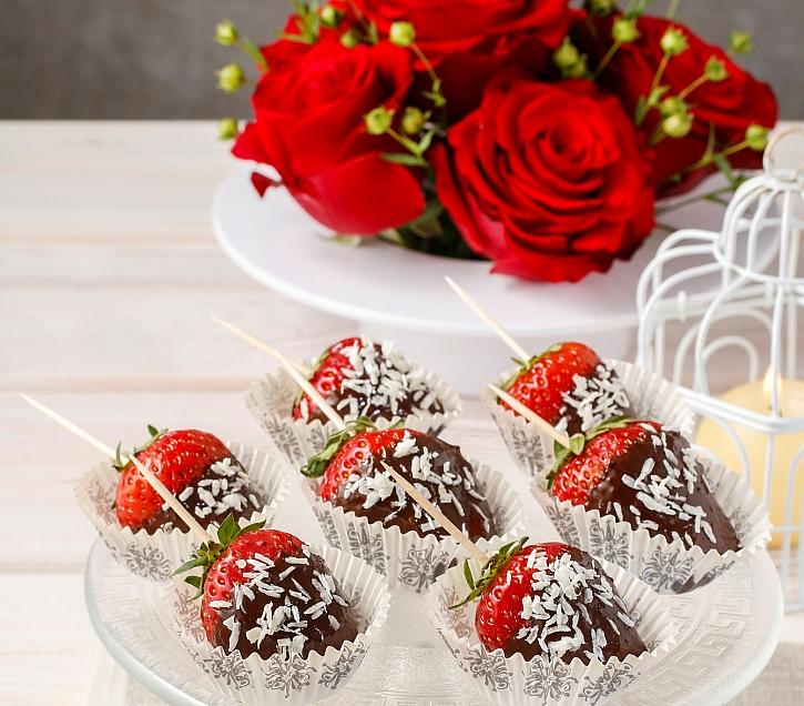 Ke každé oslavě se hodí i nějaká sladkost. Zkuste si připravit zdravé mlsání  (Zdroj: Depositphotos)