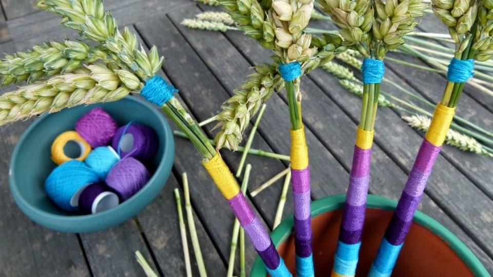Jak vytvořit jednoduchou dekoraci zklásků: Dodejte barvy obilí!