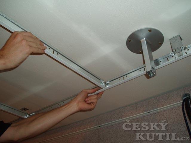 Akustická úprava stropu krok za krokem – obrazem