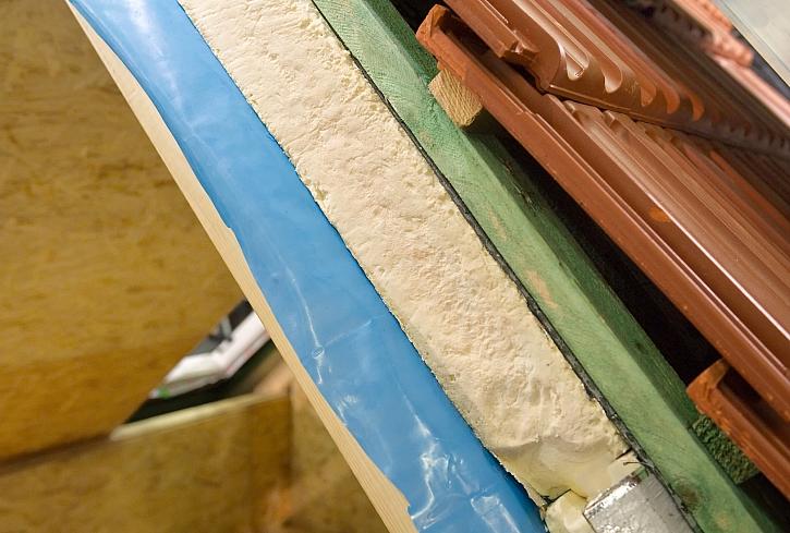 Podkrokevní izolace: jak na jednoduché a účinné zaizolování prostoru pod střechou (Zdroj: Depositphotos)