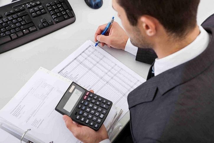 Je skutečně možné ušetřit rodinný rozpočet při stavbě domu svépomocí?