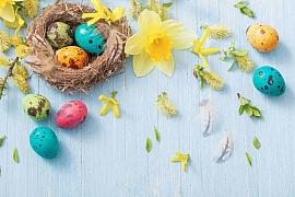 Velikonoční dekorace na stůl, stěnu i dveře