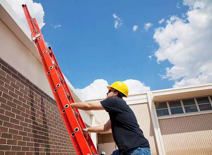 Máte na střeše bezpečnostní prvky?