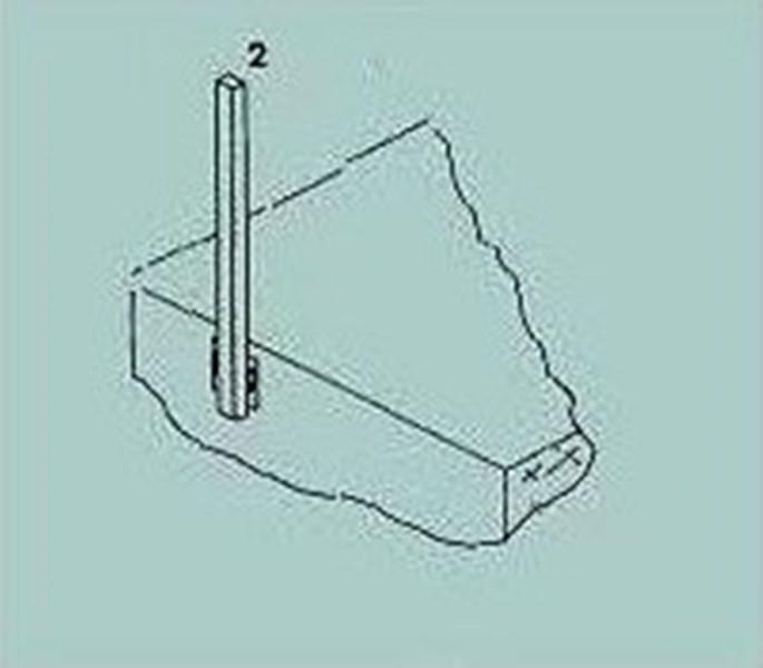Pomocná nosná konstrukce pro čelní uchycení dřevěných prvků balkonu