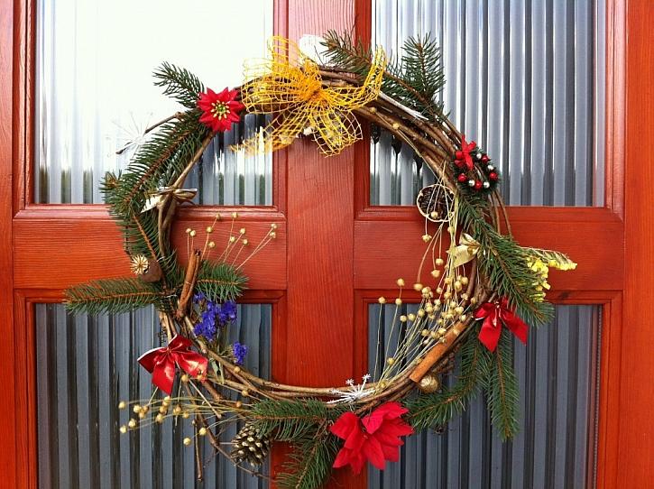 Vánoční dekorace od čtenářů - věnec z proutí nebo větviček