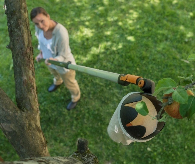Teleskopická násada QuikFit s česáčkem ovoce