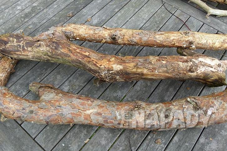 Knoflíkový věnec pro štěstí, s vůní borového dřeva 1