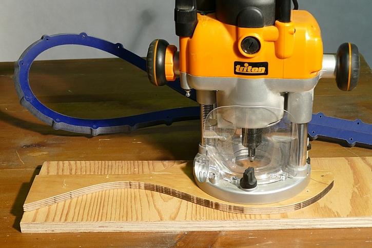 Podle vyrobené dřevěné šablony můžete udělat libovolný počet stejných obrobků