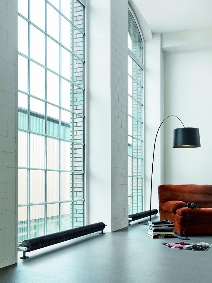 Runtal Flow Form. Elegantní a funkční tvar tohoto radiátorů evokuje nostalgickou krásu raných dob průmyslového designu.