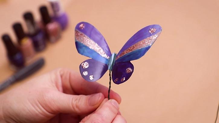 Návod na výrobu motýlka z pet lahve