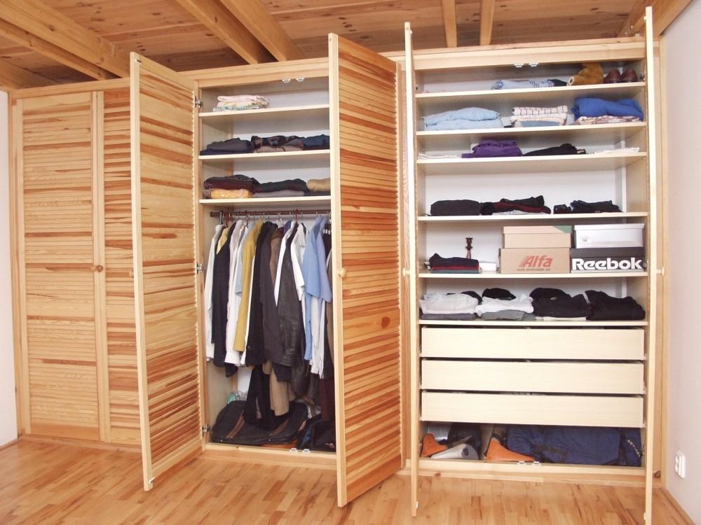 Šatny a šatní skříně