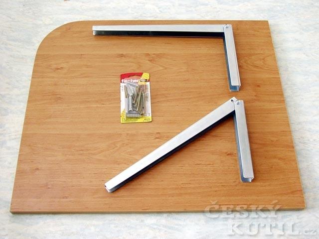 Sklopný stolek na snídani do malé kuchyně