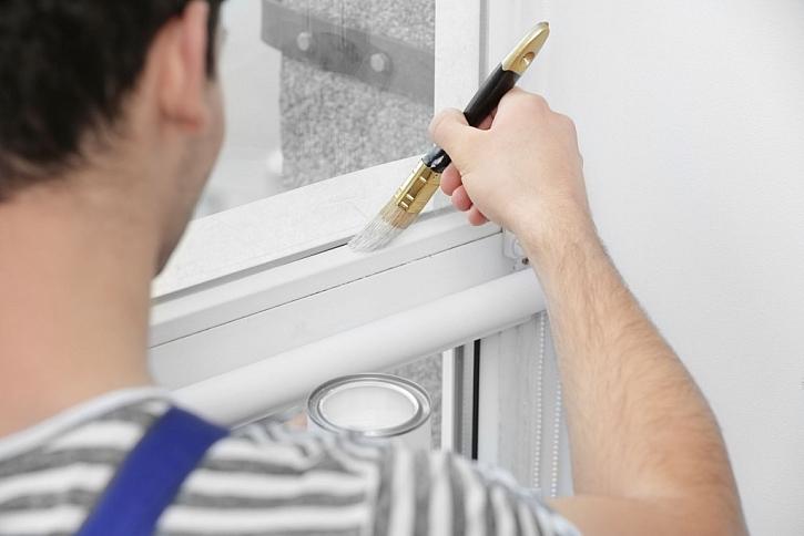 Okna potřebují 3 nátěry, které je dokonale ochrání