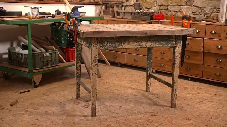 Jak vyrobit ze starého stolu pracovní ponk