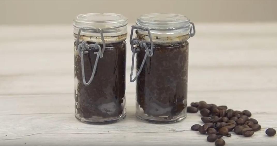 Kávový scrub na ruce: Domácí kosmetika je hit!