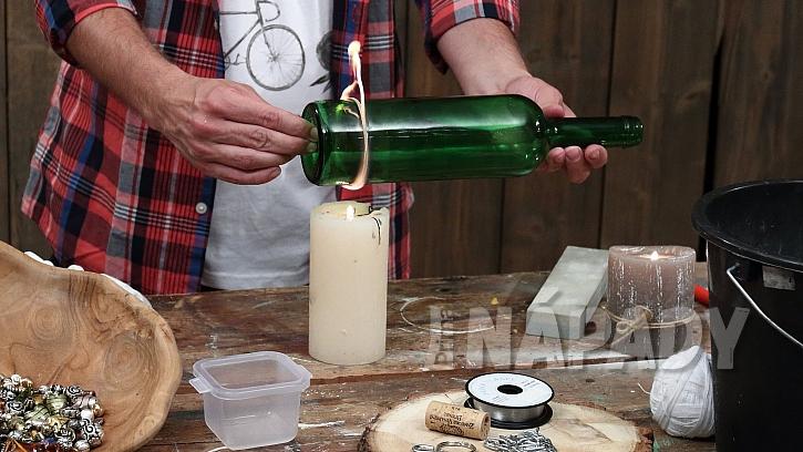 Jak vyrobit zvonkohru: nejprve oddělíme dno láhve