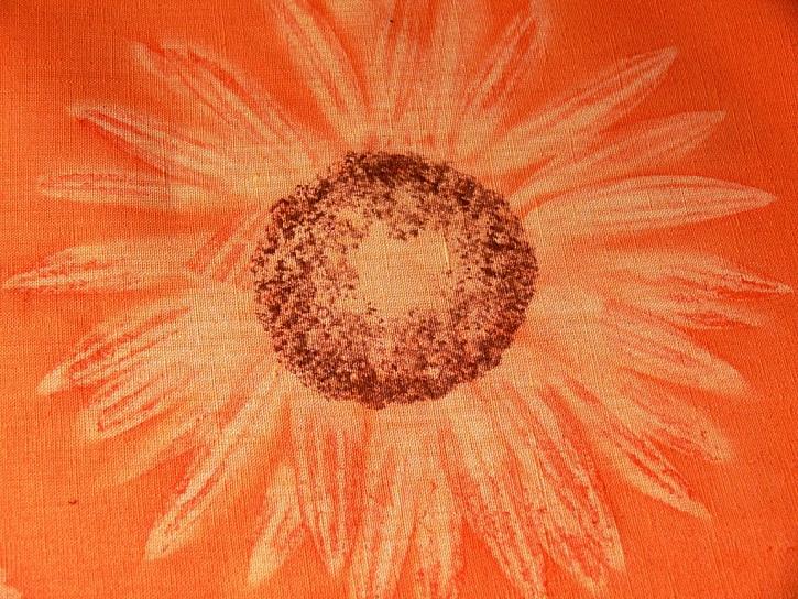 Ubrus se slunečnicemi - Barvení textilu světelnou technikou