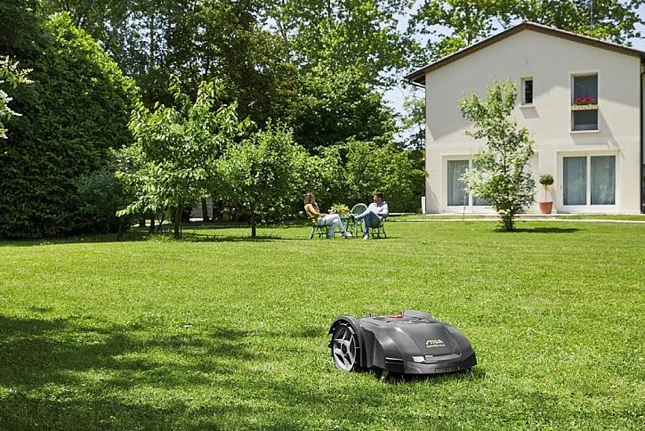 Robotická sekačka zajistí krásně střižený trávník po celou sezónu. Zatímco vy si budete v klidu pít svou kávu, robotická sekačka bude pracovat za vás