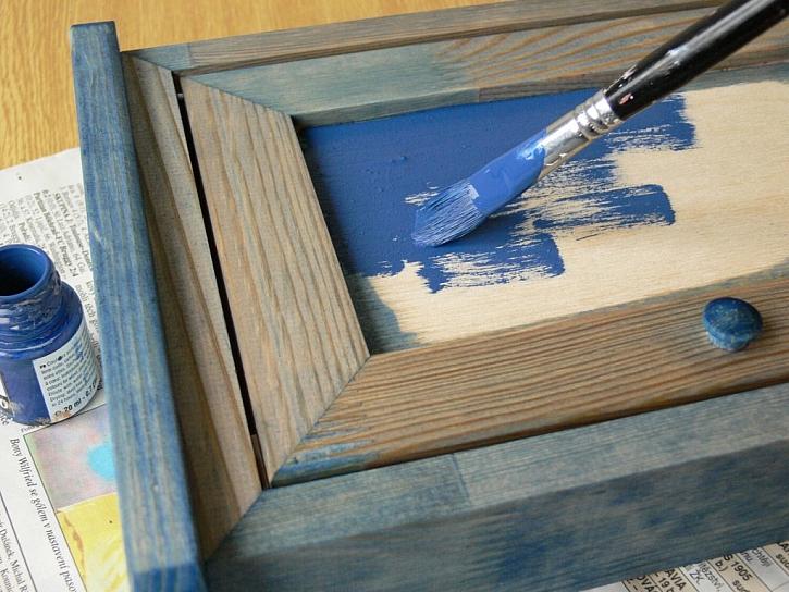 Zdobení skříňky – přímořský motiv