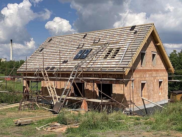 Dva domy jednou cihlou HELUZ FAMILY (Zdroj: Heluz)