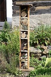 Na každou zahradu se hodí hmyzí hotel