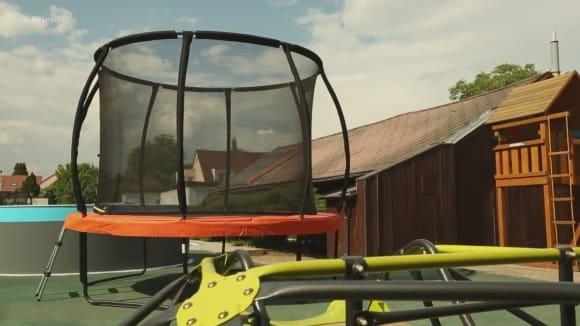 Dětské hřiště - trampolíny