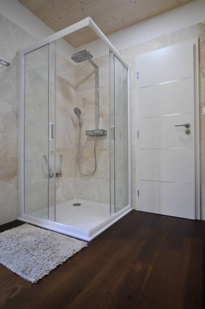 Dřevěná podlaha FeelWood v koupelně