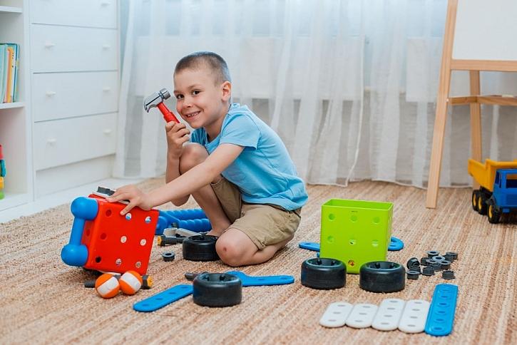 S nářadím děti rozvíjí svou kreativitu i manuální zručnost