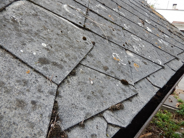 Jak rekonstruovat eternitovou střechu?