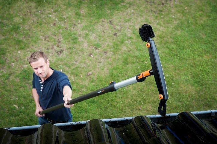 Fiskars podzimní úklid nejen vyhlašuje, ale také dělá!