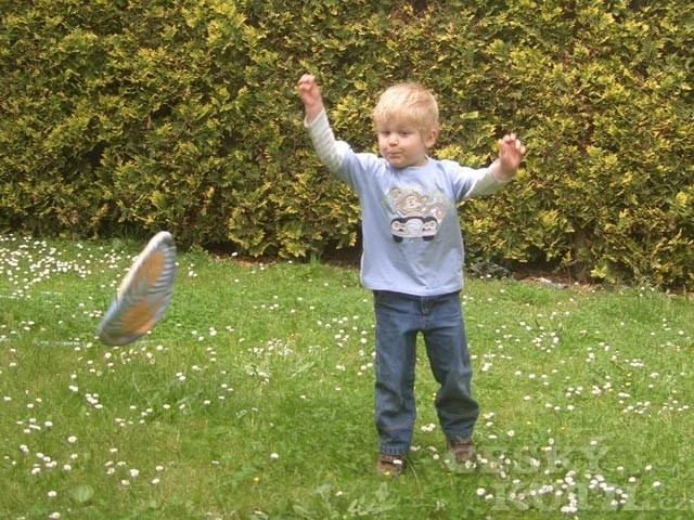 Návod na látkové frisbee pro malé děti