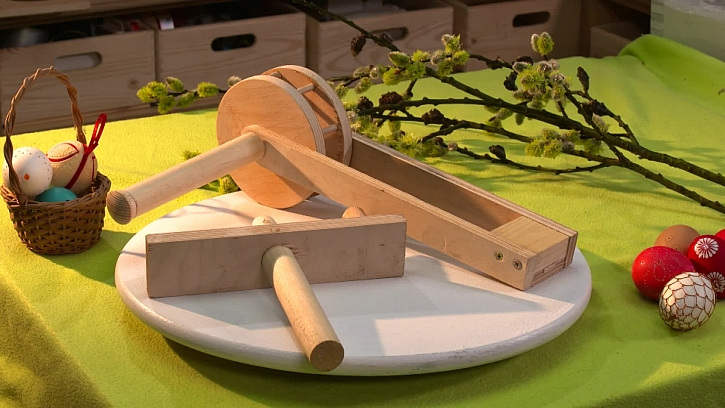 Zvládnete si vyrobit velikonoční řehtačku a klapačku? (Zdroj: Prima DOMA)