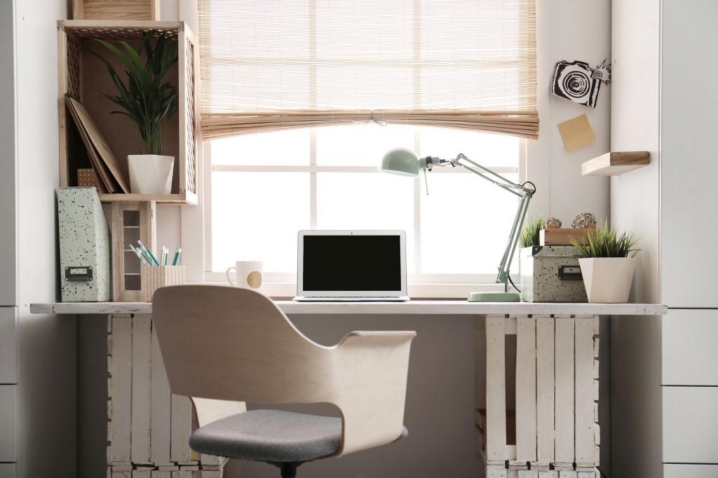 Praktické úložné prostory pro práci i studium