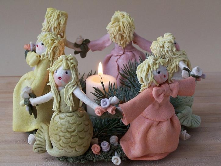 Vyrobte si vánoční svícen ze slaného těsta