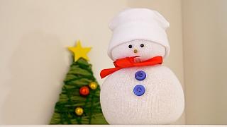 Sněhulák z ponožky: Nemusí ani sněžit!