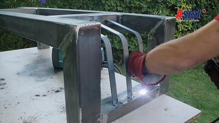 Přivaření kovových lišt