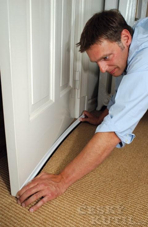 Dodatečné utěsnění dveří či oken – postup
