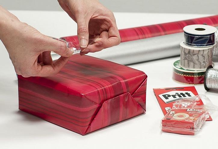 Balení dárků se blíží - lepící páska značky Pritt