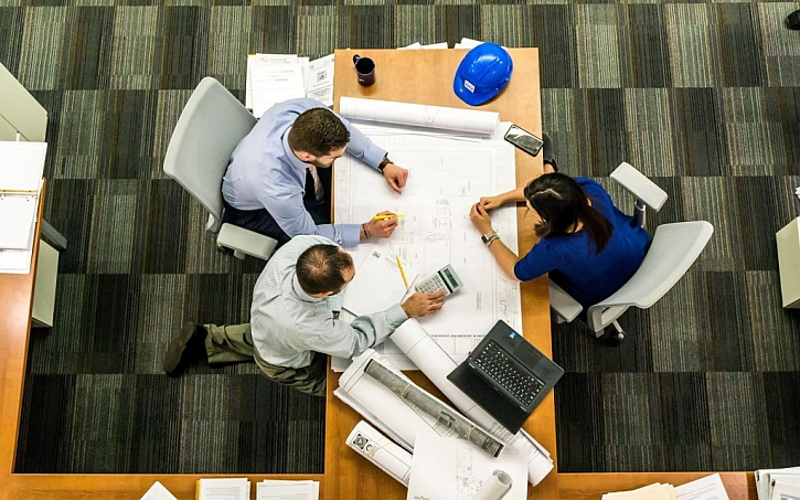 Při plánování stavby se schůzkám s projektanty, kalkulacím a obíhání úřadů nevyhnete