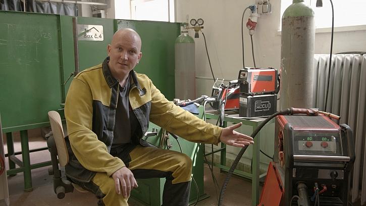 Miroslav Petržela - umělecký kovář, kterého uchvátilo svařování (Zdroj: Prima DOMA)