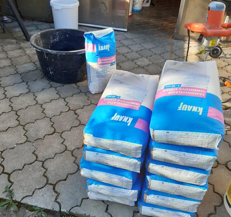 Vyrovnání podlahy pomocí samonivelační stěrky Knauf