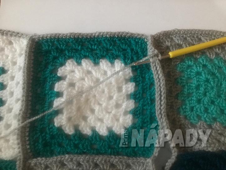 Originální háčkovaná patchworková deka: spojování celé deky