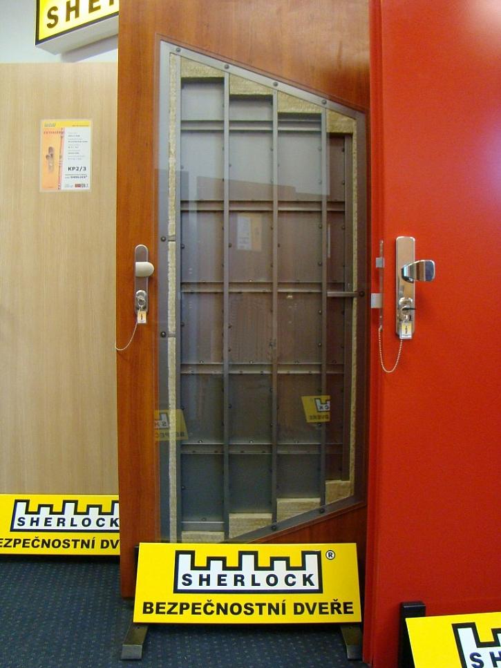 Bezpečnostní dveře ve veřejných provozech - 1. díl