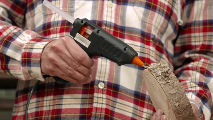 Lepíme tavnou pistolí