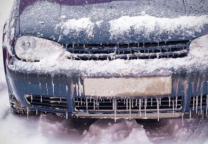 Zamrzlému motoru zabráníme použitím nemrznoucí směsi do chladiče