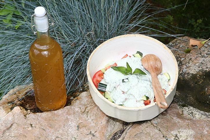 Salát s mátovou zálivkou a mátový sirup (Zdroj: Archiv FTV Prima)