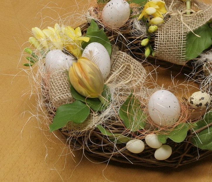 Huráááááá, jaro! Výroba jarního nebo velikonočního věnce
