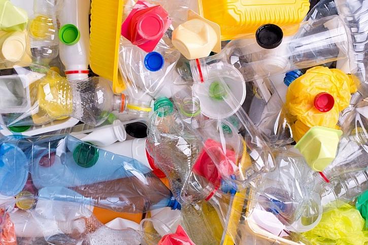 Plasty ukládejte do žlutého kontejneru