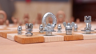 Návod na výrobu originálních šachů ze šroubu