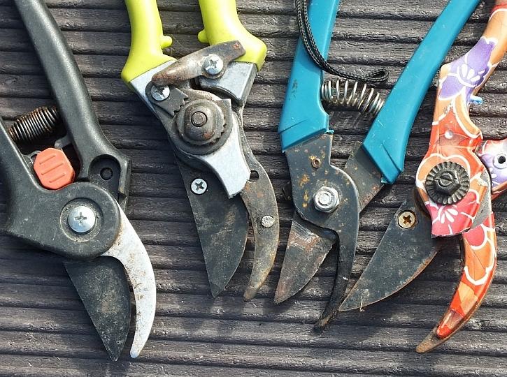 Antikutil - zničené nůžky co mají ulámané růžky